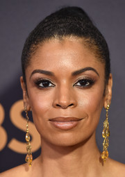 Susan Kelechi Watson swept her hair back into a tight ponytail for the 2017 Emmys.