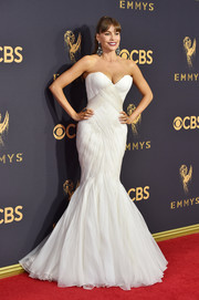 Sofia Vergara played up her famous curves in a strapless white mermaid gown by Mark Zunino at the 2017 Emmys.