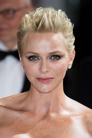 Charlene Wittstock looked oh-so-cool with her textured fauxhawk at the 2017 Monaco Red Cross Ball.