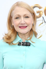 Patricia Clarkson wore her hair down to her shoulders in a wavy style at the Gold Meets Golden party.