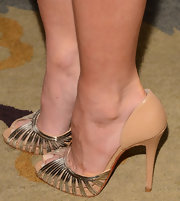 Olivia Munn's nude and gold pumps gave her a sleek and sophisticated look at the Television Academy Honors.