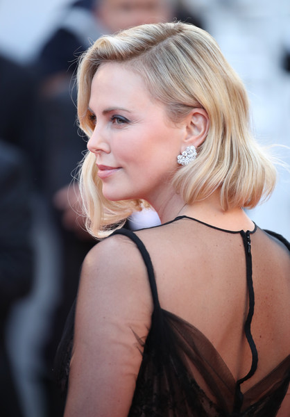 More Pics of Charlize Theron Bob (21 of 38) - Short Hairstyles ...
