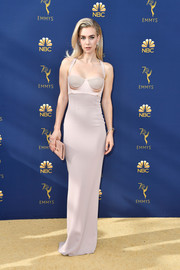 Vanessa Kirby flaunted her svelte figure in a body-con pink gown by Tom Ford at the 2018 Emmys.
