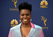 Leslie Jones looked oh-so-cool with her spiked hair at the 2018 Emmys.