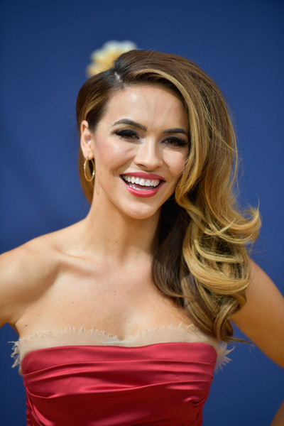 More Pics of Chrishell Stause Side Sweep (1 of 2) - Long Hairstyles Lookbook - StyleBistro [hair,hairstyle,blond,shoulder,beauty,eyebrow,long hair,lip,chin,lady,arrivals,chrishell stause,emmy awards,70th emmy awards,microsoft theater,los angeles,california]