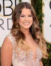 Sosie Bacon looked cool at the Golden Globes with her ombre curls.