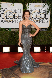 Kate Beckinsale was jaw-droppingly gorgeous in a fully beaded, strapless mermaid gown by Zuhair Murad at the Golden Globes.