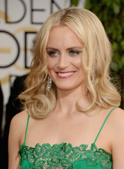 Taylor Schilling sported retro-glam curls at the Golden Globes.