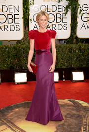 Julie Bowen wore a lovely combination of colors with this Carolina Herrera number at the Golden Globes.