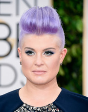 Kelly Osbourne brought a funky vibe to the Golden Globes red carpet with this purple-dyed fauxhawk.
