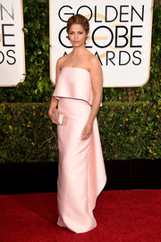 Camila Alves was the picture of dignified elegance at the Golden Globes in a pink Monique Lhuillier strapless gown featuring a loose bodice overlay and a ladylike flutter of fabric at the back.