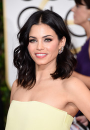 Jenna Dewan-Tatum hit the Golden Globes wearing her hair in tousled waves.