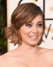 Rachel Bloom topped off her look with a cute short wavy 'do.