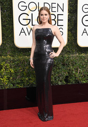 Amy Adams brought major shimmer to the Golden Globes red carpet with this sequined strapless gown by Tom Ford.