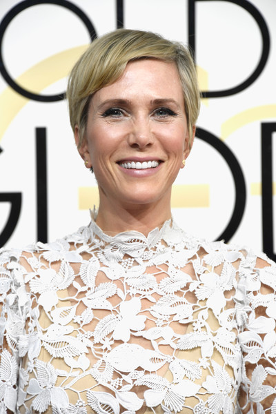 Kristen Wiig went old school with this pixie at the Golden Globes.