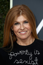 Connie Britton went for a casual straight hairstyle with an uneven part when she attended the 2018 Golden Globes.