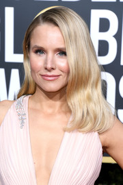 Kristen Bell looked simply lovely with her soft waves at the 2019 Golden Globes.