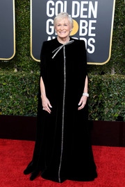 Glenn Close exuded elegance in a black Armani Prive velvet gown with silver trim at the 2019 Golden Globes.