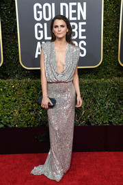 Keri Russell was sexy and sophisticated in a silver sequined gown with a draped neckline at the 2019 Golden Globes.