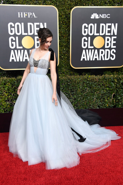 Alison Brie made a dramatic entrance in a sweet-meets-edgy cutout ballgown by Vera Wang at the 2019 Golden Globes.