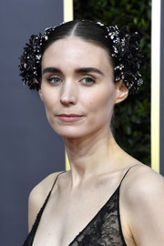 Rooney Mara looked like a glammed-up Princess Leia with this embellished headband at the 2020 Golden Globes.