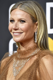Gwyneth Paltrow opted for a casual straight hairstyle when she attended the 2020 Golden Globes.