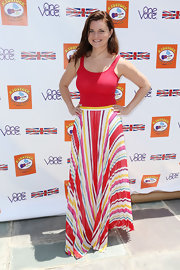 Heather Tom paired a sexy red tank top with a colorful skirt for the Kidstock Music and Art Festival.