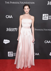 Allison Williams was classic and sweet in a strapless pink gown by Adeam at the Haiti Rising Gala.
