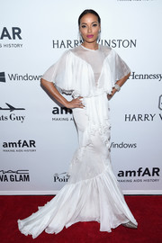 Selita Ebanks went super frilly in a white ruffle mermaid gown by Francesco Scognamiglio at the amfAR Inspiration Gala.