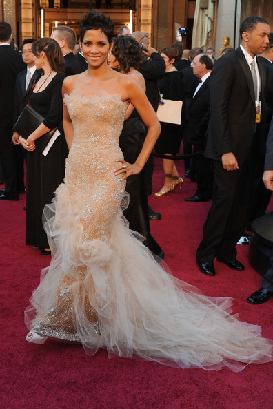 Halle+Berry in 83rd Annual Academy Awards - Arrivals