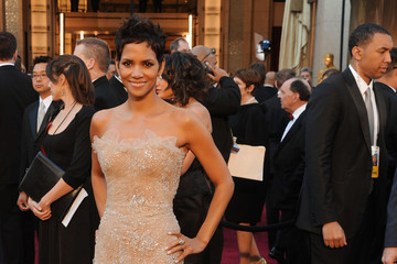 Readers Choice: Halle Berry Oscars Dress Ranks #3 on Best Dressed List