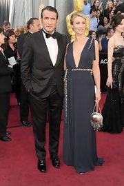Jean Dujardin completed his look for the evening with an elegant bow tie.
