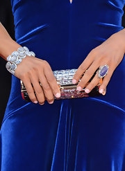 Robin Roberts made a statement on the Oscar's red carpet with a ruthenium and tanzanite ring in a diamond pave setting.