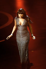 Powerhouse Jennifer Hudson chose a crystal encrusted column gown for her 'Dream Girls' performance at the 2013 Oscars.