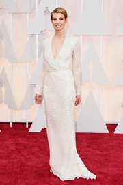 Faith Hill was a classic beauty in a shimmery white V-neck column dress by J. Mendel during the Oscars.