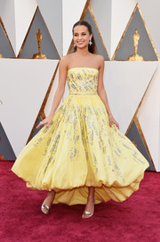 Alicia Vikander was a drop of sunshine in an embellished, bubble-hem strapless dress by Louis Vuitton at the Oscars.