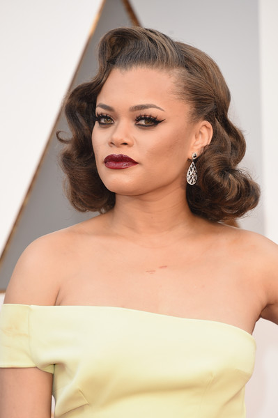 Andra Day channeled Old Hollywood with this curly 'do at the Oscars.