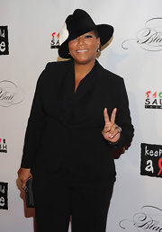 Queen Latifah accessorized she super chic ensemble with a charcoal and silver 'Appolon' ring at the 8th Annual Keep a Child Alive Black Ball.