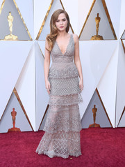 Zoey Deutch enchanted in a tiered, hand-beaded gray gown by Elie Saab Couture at the 2018 Oscars.