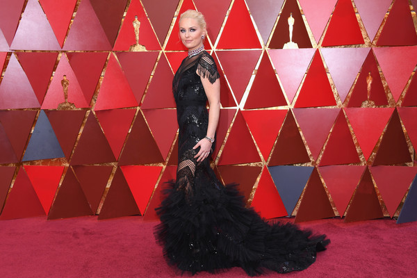 More Pics of Lindsey Vonn Loose Bun (1 of 14) - Updos Lookbook - StyleBistro [pink,fashion,beauty,dress,flooring,carpet,haute couture,gown,fur,arrivals,lindsey vonn,academy awards,hollywood highland center,california,90th annual academy awards]