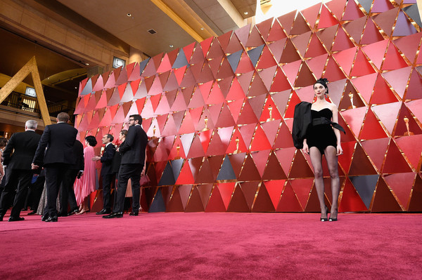 More Pics of St. Vincent Bob (1 of 16) - St. Vincent Lookbook - StyleBistro [pink,red,carpet,red carpet,fashion,flooring,event,stage,magenta,performance,arrivals,st. vincent,academy awards,hollywood highland center,california,90th annual academy awards]