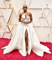 Cynthia Erivo owned the red carpet in a white one-shoulder ballgown by Atelier Versace at the 2020 Oscars.