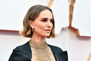 Natalie Portman looked adorable with her short wavy cut at the 2020 Oscars.