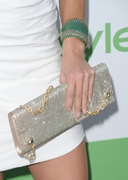 Amanda showed off a super sparkling clutch, which featured an equally stunning gold chain.