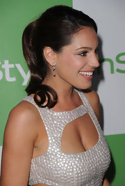 Kelly Brook showed off her sleek ponytail while hitting the InStyle event.