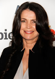 Julia Ormond showed off her lovely locks on the red carpet when she opted for long, loose waves.