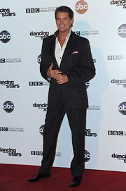 David dons a wide pinstripe suit to the 'Dancing with the Stars' 200th episode.