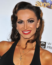 A bold red lip gave Karina Smirnoff a vibrant beauty look on the red carpet.