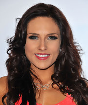 Sharna's long waves instantly gave her look a glamorous feel on the red carpet.