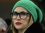 Melissa Satta added a splash of color to her look with an emerald green beanie.